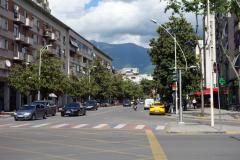 Samma korsning som föregående bild. Rruga Luigj Gurakuqi, Tirana.
