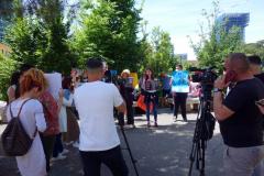 Demonstration mot myndigheternas avlivande av herrelösa hundar, Tirana.