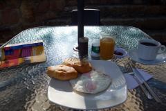 Frukost på Hostal Renacer, Villa de Leyva.