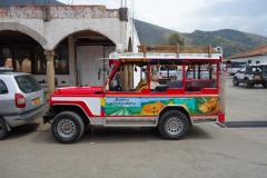 Jeep i centrala Villa de Leyva.