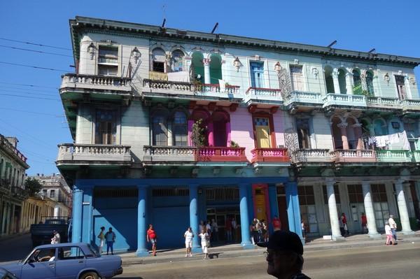 Gatuscen någonstans i Vedado, Havanna.
