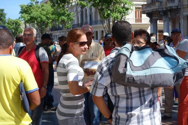 Fastighetsmarknad på Pradon, Centro Habana, Havanna.