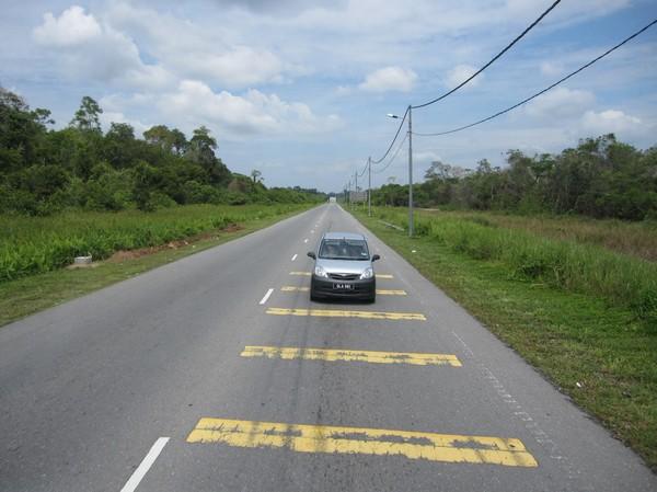 Vägarna är otroligt dåliga i Brunei! Vem hade trott det?