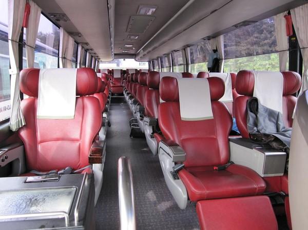 Mycket bekväma bussar.