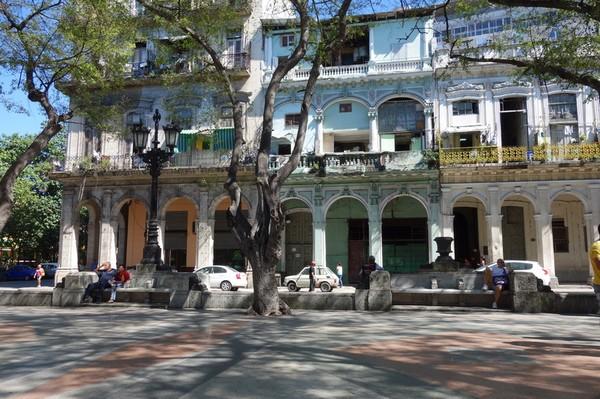Fin arkitektur längs Prado (Paseo de Marti), Centro Habana, Havanna.