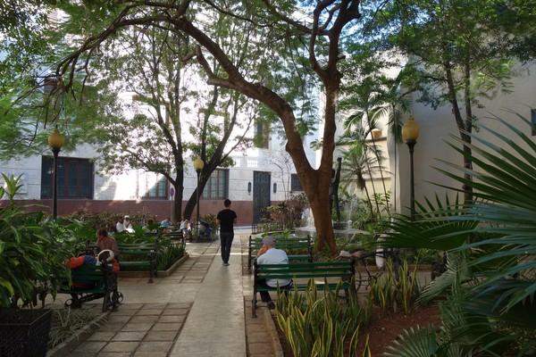 Park i Habana Vieja, Havanna.