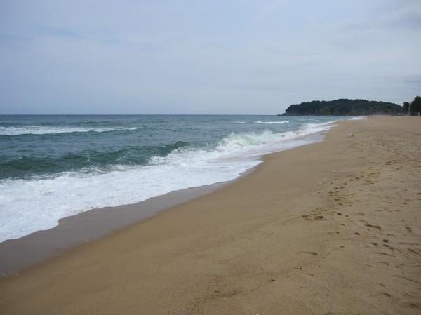Här är det säkerligen proppat med Koreaner under sommar månaderna. Sokcho beach ligger mitt i centrala Sokcho.