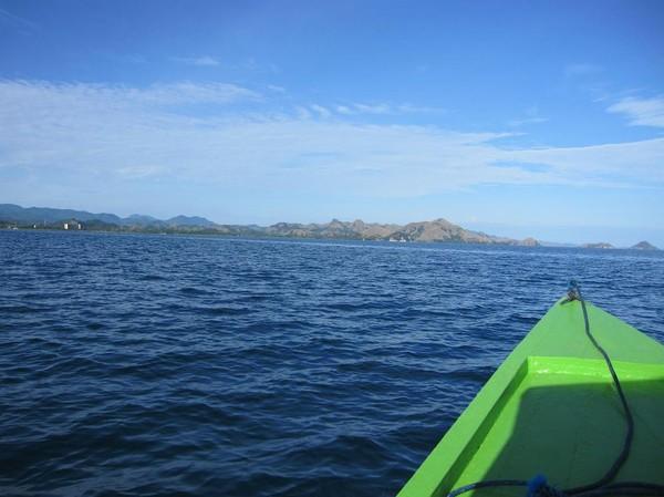 På väg ut från hamnen i Labuan Bajo mot Rinca island.