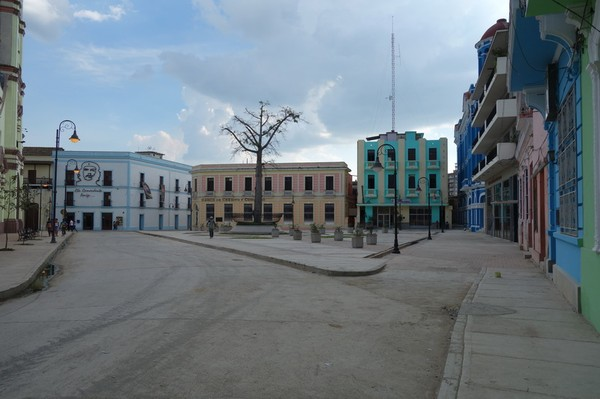 Plaza de los Trabajadores i centrala Camagüey.