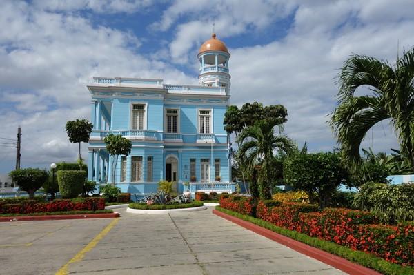 Mycket fina Hostal Palacio Azul, Punta Gorda, Cienfuegos.