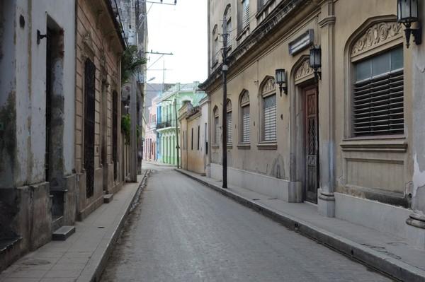 Gatuscen i centrala Camagüey.