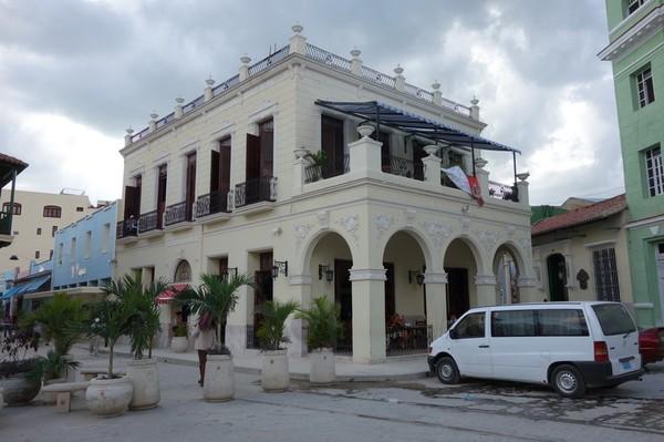 Hotel Camino de Hierro i centrala Camagüey.