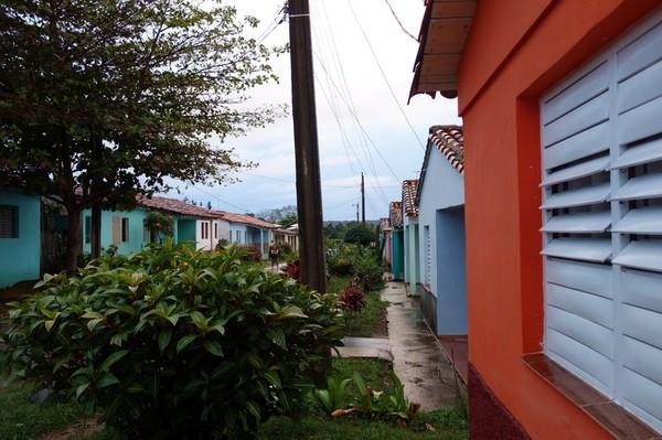 Osmany och Yaquelins hus till höger i bild. Mitt boende i Viñales.