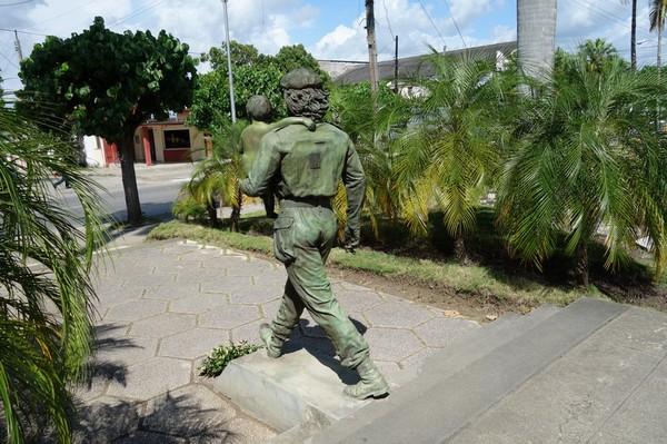 Estatua Che y Nino, Santa Clara.