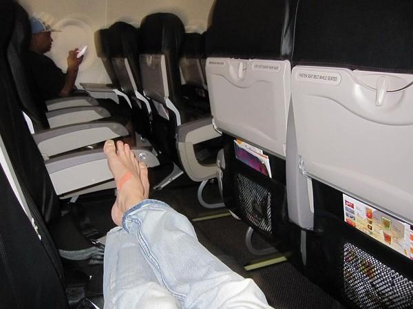 Bildbevis på hur lite folk det var på flighten mellan Bangkok och Clark med SEAIR. Ja, jag började redan få lite skavsår på fötterna i Bangkok.