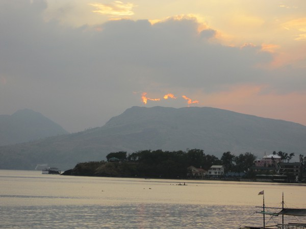 Solnedgång i Subic bay.
