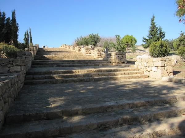 Innanför entrén till Pafos archeological site.