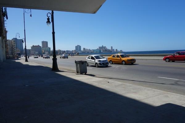 Världsberömda Malecon i sikte återigen, Havanna.