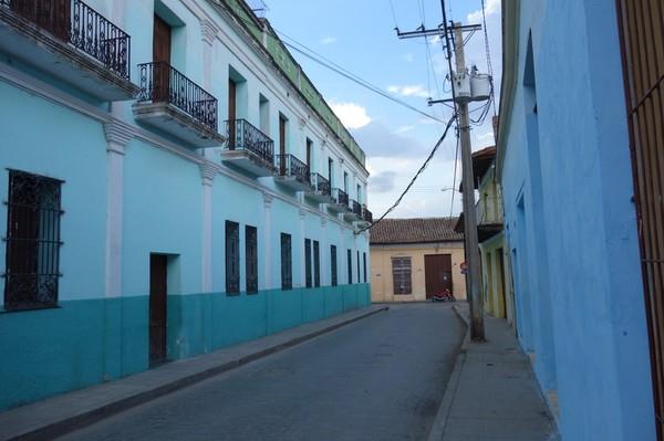 En av många gator i labyrintiska Camagüey.