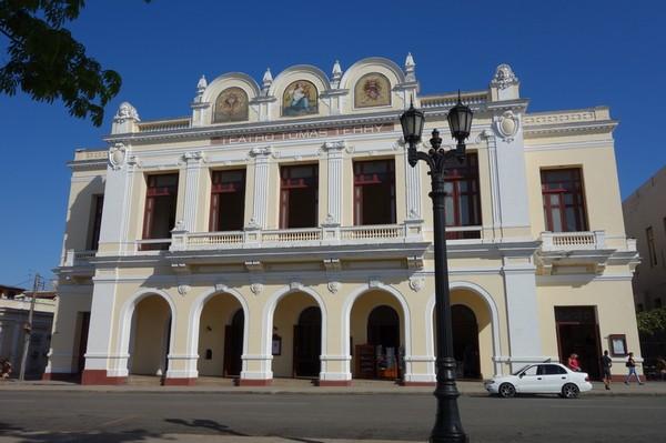 Teatro Tomás Terry vid Parque José Martí, Cienfuegos.