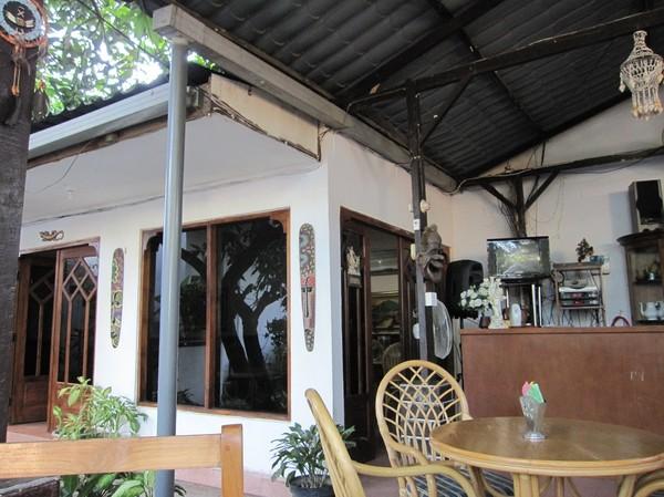 Restaurangdelen på Rocella hotel, mitt boende andra gången i Dili, Timor-Leste.