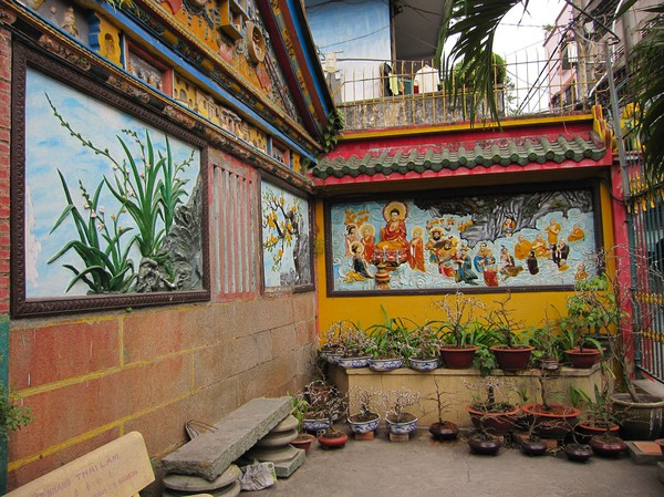 Utanför Quan Am pagoda, Cholon.