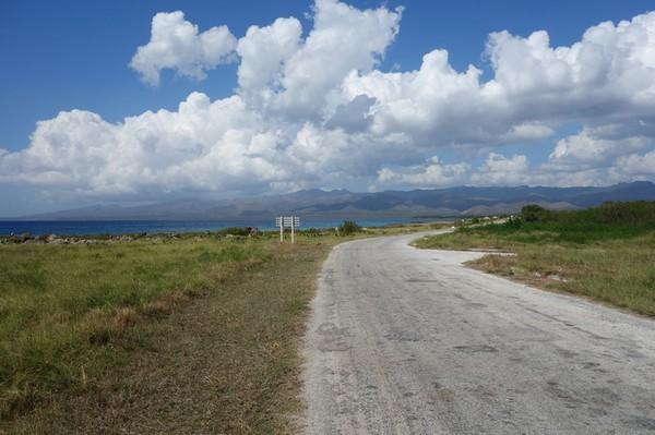 På väg tillbaka till Trinidad igen efter en härlig dag. Längs vägen mellan Playa Ancon och La Boca.