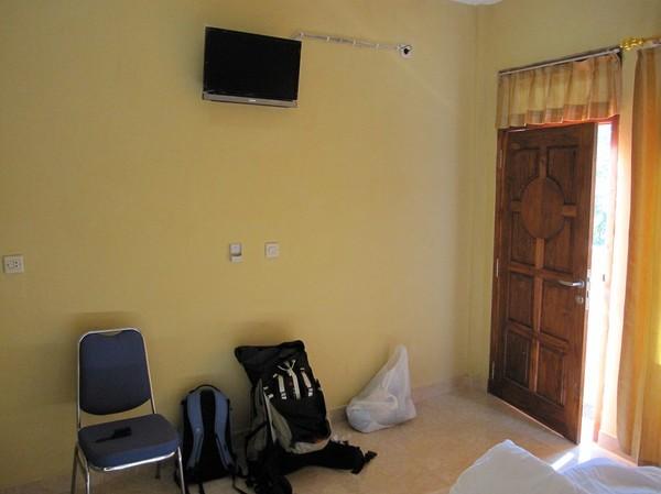 Mitt hotellrum på O-range hotel för 250 000 Rupiah per natt, Labuan Bajo, Flores.