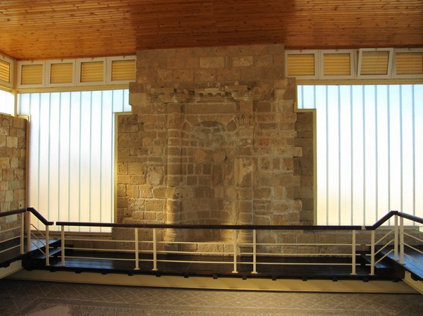 Hus konstruerat för att skydda mosaik, Pafos archeological site.