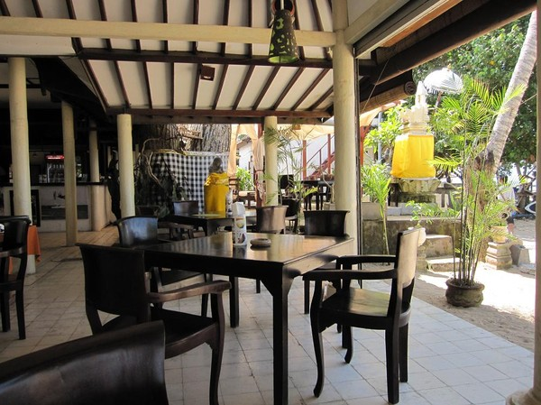 Lunch på restaurang Stiff Chili, södra Sanur beach, Bali.