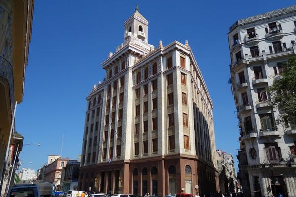 Edificio Bacardi i fantastisk Art deco-stil, Habana Vieja, Havanna.