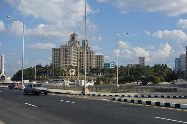 Hotel Nacional från Malecon, Havanna.