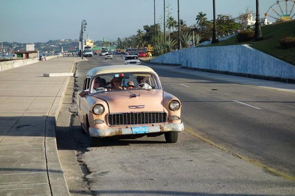 Framme vid Malecons östra del vid Parque de los Enamorados, Havanna.