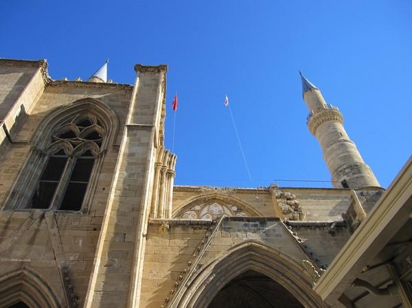 Selimiye mosque i den turkcypriotiska delen av Nicosia.