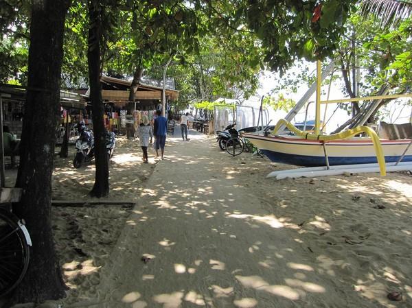 Södra delen av Sanurs beachwalk, Sanur beach, Bali.