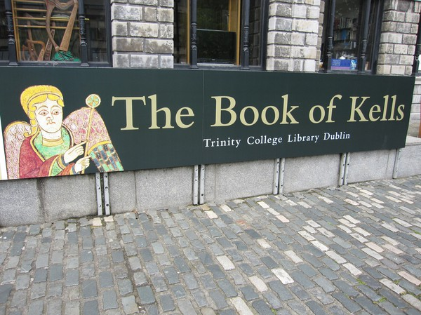 Entrén till The Book Of Kells, Dublin, Irland.