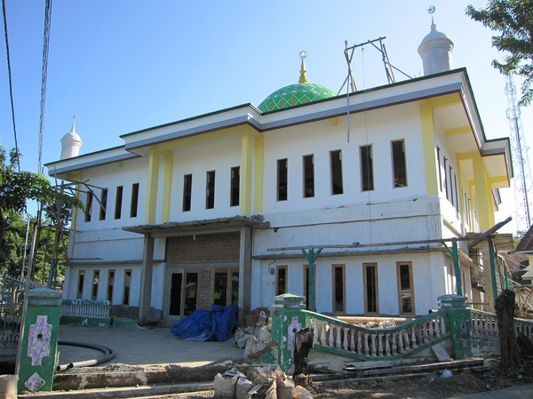 Renovering av moskén, Labuan Bajo, Flores.