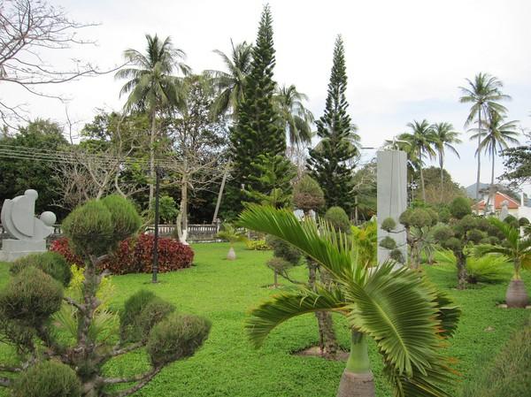 Park i centrala Con Son town.