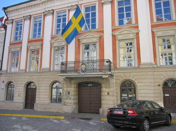 Svenska ambassaden längs gatan Pikk, gamla staden, Tallinn. Jag tror detta är det finaste läget jag har sett på en svensk ambassad.