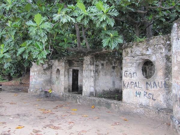 Övergivet portugisiskt badhus på Wataboo beach, Osolata, Baucau, Timor-Leste.