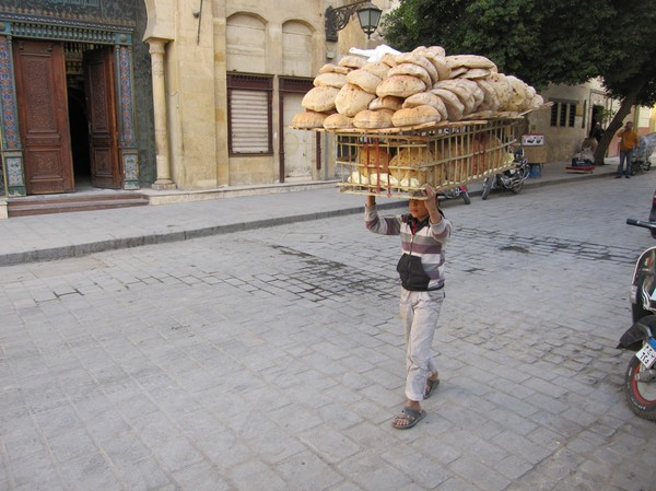 Mera bröd till salu, islamic Cairo, Kairo.