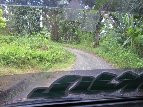 På väg tillbaka upp till Baucau i mikrolet, Baucau, Timor-Leste.