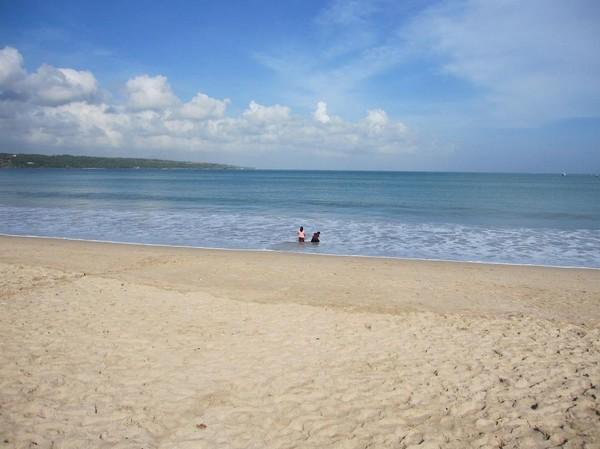 Stranden centrala Jimbaran beach, Bali.