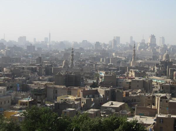Vy över Kairo från Al-Azhar park.