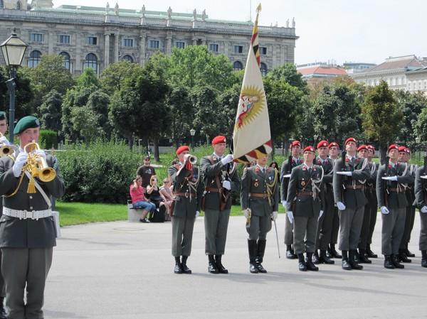 Militärparad, Hofburg, Wien.