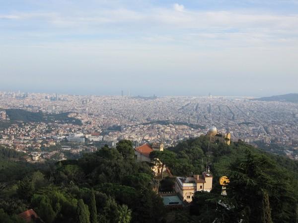 Utsikten  över Barcelona från Tibidabo, Barcelona.