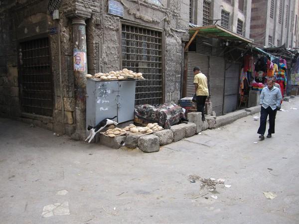 Brödförsäljning i islamic Cairo, Kairo.