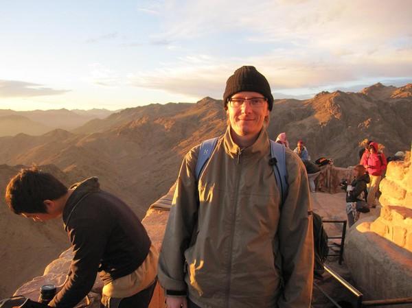 Stefan, på toppen av Mount Sinai. Rätt så ordentligt nedkyld, hungrig och trött. Men lycklig.