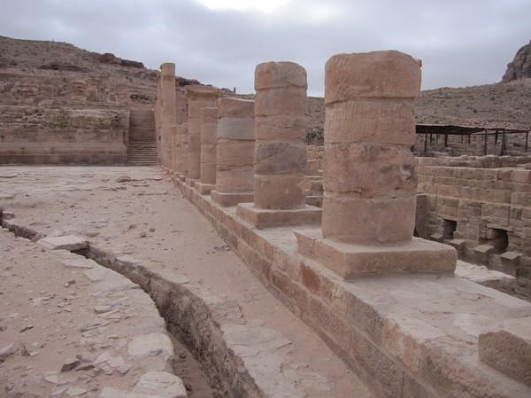Colonnaded street, Petra. Här låg tempel, affärer och offentliga byggnader.