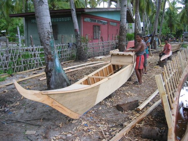 Båtbygge på Malapascua